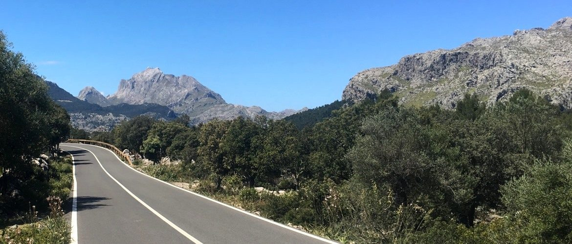 Beautiful Mountain roads, Puig Major in the distance